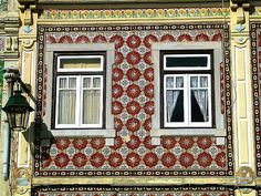 windows of old houses in Alcochete