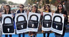 لندن میں ایم کیو ایم برطانیہ کے زیر اہتمام جناب الطاف حسین کے پاکستان میں میڈیا بلیک آؤٹ کے خلاف مظاہرہ