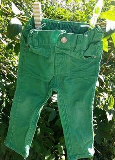 Kaufe meinen Artikel bei #Mamikreisel http://www.mamikreisel.de/kleidung-fur-jungs/jeans/18687353-lassige-grune-rohrenjeans-von-babyclub