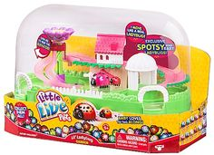 Little Live Pets Ladybug Lil House Playset: The Ladybug's Garden a wonderful miniature world for your Ladybugs to explore! Watch them scoot in and out and all about their little land! Little Land, Little Live Pets, Little Babies, Lego Store, Kids Store, Toy Store, Toys R Us, Toys For Boys, Girls Toys