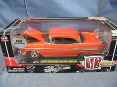 M2 Machines Auto-Thentics 1:24 Scale Die-Cast 1957 Chevy Bel Air Hardtop Replica