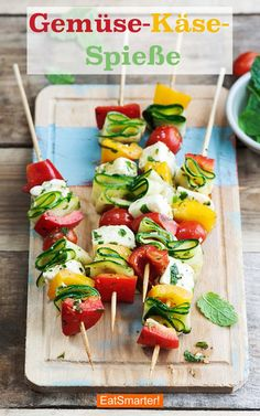 Appetizers Recipes Vegetable cheese kebabs with halloumi Soup Appetizers, Appetizers For Party, Appetizer Recipes, Snack Recipes, Healthy Recipes, Fingerfood Party, Easter Recipes, Halloumi, Pesto