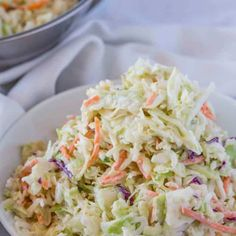 A Traditional Coleslaw Recipe with creamy coleslaw dressing in 5 minutes! This basic coleslaw recipe is an easy side dish made with shredded lettuce mix. Creamy Coleslaw Dressing, Dinner Salads, Food Shows, Copycat Recipes, Yummy Recipes, Keto Recipes, Side Dishes Easy, Recipes, Soups