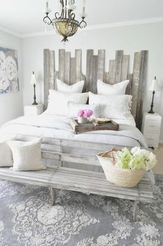 Cozy farmhouse master bedroom decoration
