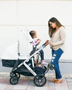 Sharing my thoughts on the 2018 UPPAbaby VISTA stroller and why I love it so much! Uppababy Vista Double Stroller, Double Baby Strollers, Uppababy Stroller, Baby Girl Strollers, Toddler Stroller, Baby Prams, Twin Strollers, Toddler Toys, Toddler Girls