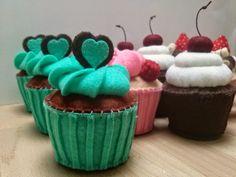 Dusi ustvarja: Cupcake season part 2, Tortice iz filca, Fake felt food cupcakes