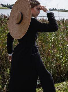 Kim Noorda | Statement Hats Fashion Editorial | L'Officiel Netherlands