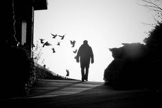 121clicks.comLights, Shadows & a handful of out of the world street photographs - 121Clicks.com