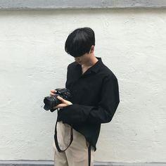 Korean Clothing Styles The Beige Blouse Korean Boys Ulzzang, Cute Korean Boys, Ulzzang Boy, Asian Boys, Korean Girl, Korean Fashion Men, Korean Men, Korea Boy, Aesthetic Boy
