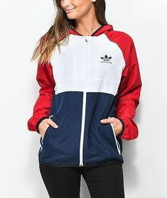 adidas MI Skate Windjacke in Rot Weiß und Blau Nike Outfits, Sporty Outfits, Fashion Outfits, Adidas Outfits For Women, Fashion Clothes, Windbreaker Outfit, Womens Windbreaker, Adidas Jacket Outfit, Looks Adidas