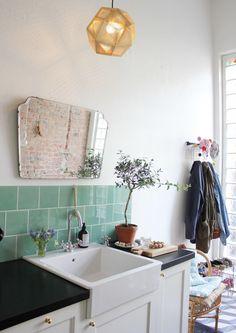 La casa del papel pintado floral - Tránsito Inicial