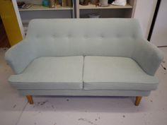 50-luku sohva uudelleen verhoiltu ja istuin tyynyt uusittu
