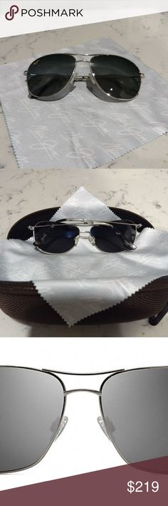 MAUI JIM UNISEX BREEZEWAY SUNGLASSES *My husband got these for me in Hawaii and I wore them twice (can't give up my old Ray-Bans). *Incredible lens clarity and they are very lightweight. *Excellent scratch and shatter resistance. *Case and lens cloth included in purchase. Maui Jim Accessories Sunglasses
