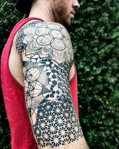 Sacred geometry ◼ artist: sacred geometry tattoo, body mods, new Geometric Tattoos Men, Geometric Sleeve Tattoo, New Tattoos, I Tattoo, Tattoos For Guys, Forearm Tattoos, Sleeve Tattoos, Sacred Geometry Tattoo, Tattoo Designs For Women