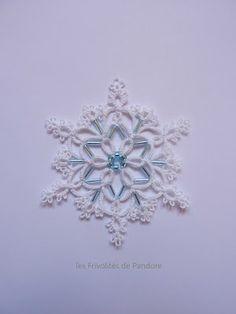 les Frivolités de Pandore, dentelle aux navettes.: Flocon Reine de Glace / Ice Queen snowflake