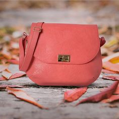 The change in leaf colours has inspired the designers at #Baggit to craft this #saddlebag in a lovely #pastel hue. #Baggit #handbags #casual #womens #fashion
