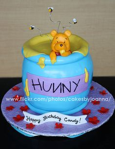 Winnie The Pooh cake (by CakesbyJoanna)