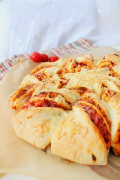 Pienet herkkusuut: Pull Apart Pizzaleipä
