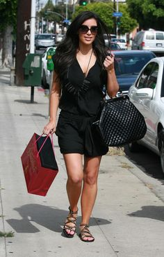 Kim Kardashian Photo - Kim Kardashian Out Shopping In West Hollywood
