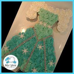Frozen - Elsa's Dress Cupcake Cake