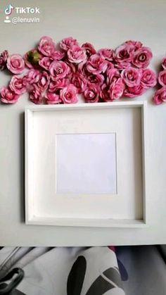 Flower Shadow Box, Flower Box Gift, Diy Shadow Box, Flower Boxes, Diy Flowers, Paper Flowers, Shadow Box Frames, Diy Resin Crafts, Diy Crafts For Gifts