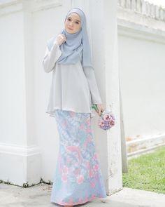 Modest Dresses, Modest Outfits, Pretty Dresses, Dress Outfits, Dress Up, Modest Clothing, Islamic Fashion, Muslim Fashion, Modest Fashion