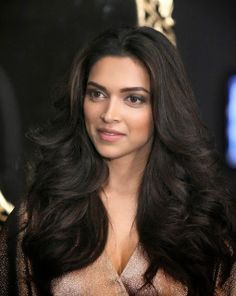 Unseen beautiful Pics of Celebs at Deepika Padukone's Black