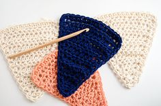 Free pattern make your crochet buntings and decorate your parties and events in the coolest way. We saw you how to do it step by step. Let´s knit!
