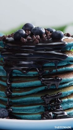 When we're feeling blue, we like to make pancakes drizzled with chocolate and topped with blueberries. Easy Chicken Rice Casserole, Easy Chicken And Rice, Crack Chicken, Chicken Milk, Bolos Low Carb, Blueberry Pancakes, Chocolate Pancakes, Yogurt Pancakes, Blueberry Cookies