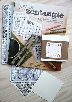 Five Creative Practices that Invite in Mindfulness :: Zentangle is one of my favorites!