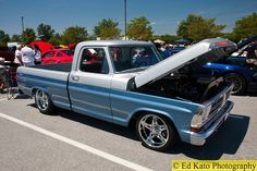 Ford Pickup Truck Blue Silver g Custom Ford Trucks, Classic Ford Trucks, Ford Pickup Trucks, Custom Cars, Ford Truck Models, Mustang, F100 Truck, Ford Company, Truck Paint