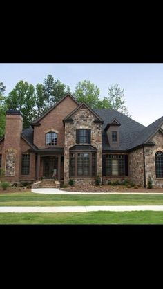 Siding With Brick House Brick And Siding Homes Half Brick Half Siding Homes Homes With Brick And Stone Exterior Red Brick And Siding Vinyl Siding Brick House Brick Design, Exterior Design, Stone Exterior, Exterior Homes, Exterior Colors, Bucket List For Girls, Architecture Restaurant, Restaurant Design, Home By