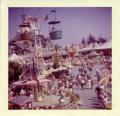 Skyway ride at Disneyland in 1960. Check out all of these awesome old photos from Disneyland!