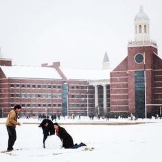 Playing around in the snow on the Baylor campus -- this looks like so much fun!