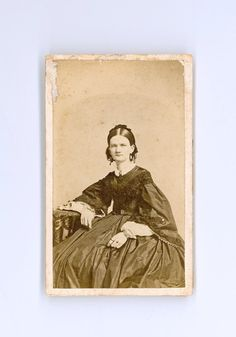 Civil War Era CDV, Antique Photograph of Pretty Young Woman Wearing Fancy Dress with Pagoda Sleeves Taken by R. Lord of NYC Civil War Fashion, Old Images, Daguerreotype, American Civil War, Female Fashion, Historical Clothing, Vintage Photography, Fancy Dress, Sweden