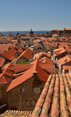 Beautiful Dubrovnik. Photo: Doug Johnson Beautiful Places To Travel, Amazing Places, Places Around The World, Around The Worlds, Les Balkans, Art Muse, Tuile, Dubrovnik Croatia, Rooftops