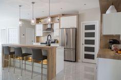 Pin by lysvette montalvo on home decor in 2019 кухня, дизайн Small Space Kitchen, Kitchen On A Budget, Small Spaces, Timber Kitchen, Kitchen Benches, Kitchen Layout Plans, Kitchen Design, Kitchen Decor, Grey Kitchens