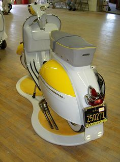 """The Vespa is a line of scooters patented on April 1946 by the company Piaggio & Co, S. The name Vespa, which means """"wasp"""" in Italian, was chosen by Enrico Piaggio. Vespa Motorcycle, Motos Vespa, Piaggio Vespa, Lambretta Scooter, Scooter Motorcycle, Retro Scooter, Best Scooter, Fiat 500, Vespa Motor Scooters"""