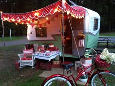 ~ Patty Ann, 1962 Shasta compact, I LOVE the double-scalloped polka dot awning. Kitschy, yes. But fantastic.