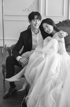 Korean Wedding Photography, Wedding Couple Poses Photography, Bridal Photography, Pre Wedding Photoshoot, Pre Wedding Shoot Ideas, Wedding Poses, Marriage Poses, Foto Wedding, Dear Me