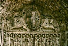 Símbolos pagãos na Catedral de Chartres, França.