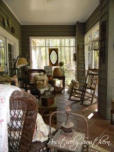 A blog about home and garden design including Southern, Coastal and English Design. Tamyra shares with you as she makes her house a home.