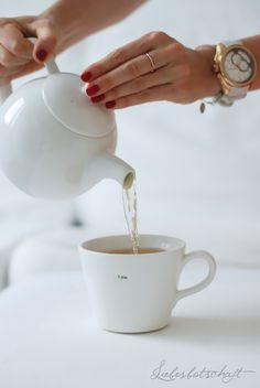 Liebesbotschaft: The beauty of rainy days + løv-tea Pearl Tea, Fruit Tea, Cuppa Tea, Tea Sandwiches, Fun Cup, Rose Tea, Tea Art, My Cup Of Tea, Drinking Tea