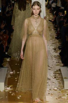 Valentino Spring 2016 Couture Fashion Show - Katya Ledneva (Women)