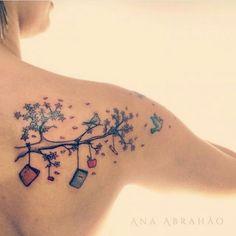 """Seu professor tem instagram? Marque ele aqui!  Tatuagem feita por <a href=""""http://instagram.com/abrahaoana"""">@abrahaoana</a> =) Contato da Ana:  anaabrahaoink@gmail.com Facebook/AnaAbrahaoink"""