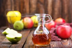Apple Cider Vinegar for Weight Loss : 6 Tasty Ways to Try - NaturallyDaily Apple Cider Vinegar Supplements, Taking Apple Cider Vinegar, Vinegar Weight Loss, Apple Cider Benefits, Natural Home Remedies, Calories, Hot Sauce Bottles, Breastfeeding, Food And Drink