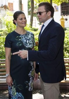 Royals & Fashion - Royals & Fashion - Princess Victoria and Prince Daniel visit the historic center of Cartagena in Colombia, as they continue their official tour.