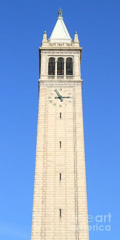 UC Berkeley . Sather Tower . The Campanile . Clock Tower . 7D10059