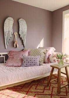 Chambre cocooning taupe beige et blanc chambre cosy tete - Peinture chambre mauve et blanc ...