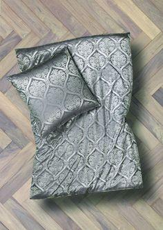 silk-bedware-cellini-design-seidenbettwaesche-003 #Silk pillow case, bedsheet and duvet cover made in Germany by #Cellini Design. Custom sizes possible. #Seidenbettwäsche aus reiner #Seide von #Spinnhütte Cellini Design aus Deutschland.